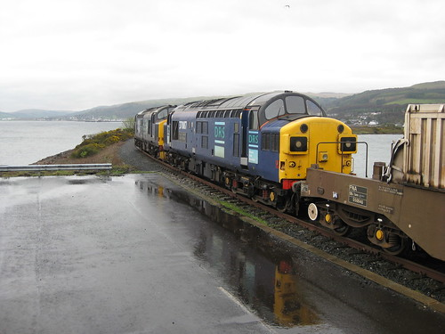 37667+37087 at Hunterston. 13-04-2011 | by 20312