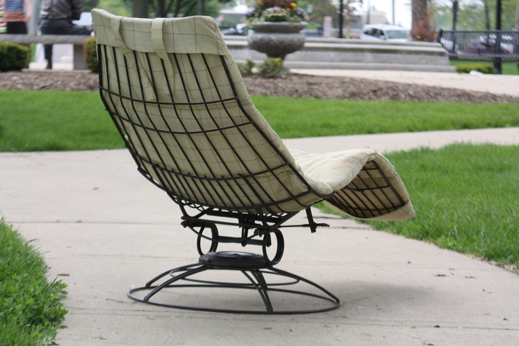 Mid Century Modern Homecrest Patio Set  Siesta Chaise Lounge Chair And
