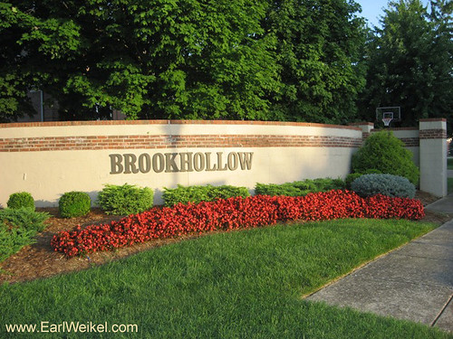 Brookhollow Louisville Ky 40220 Homes For Sale Off Six Mil