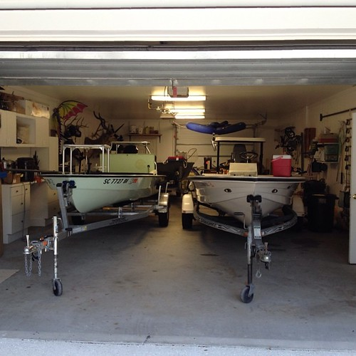 Dad 39 s garage with my whipray and his lappy 16 hewes kevla for Garage modification