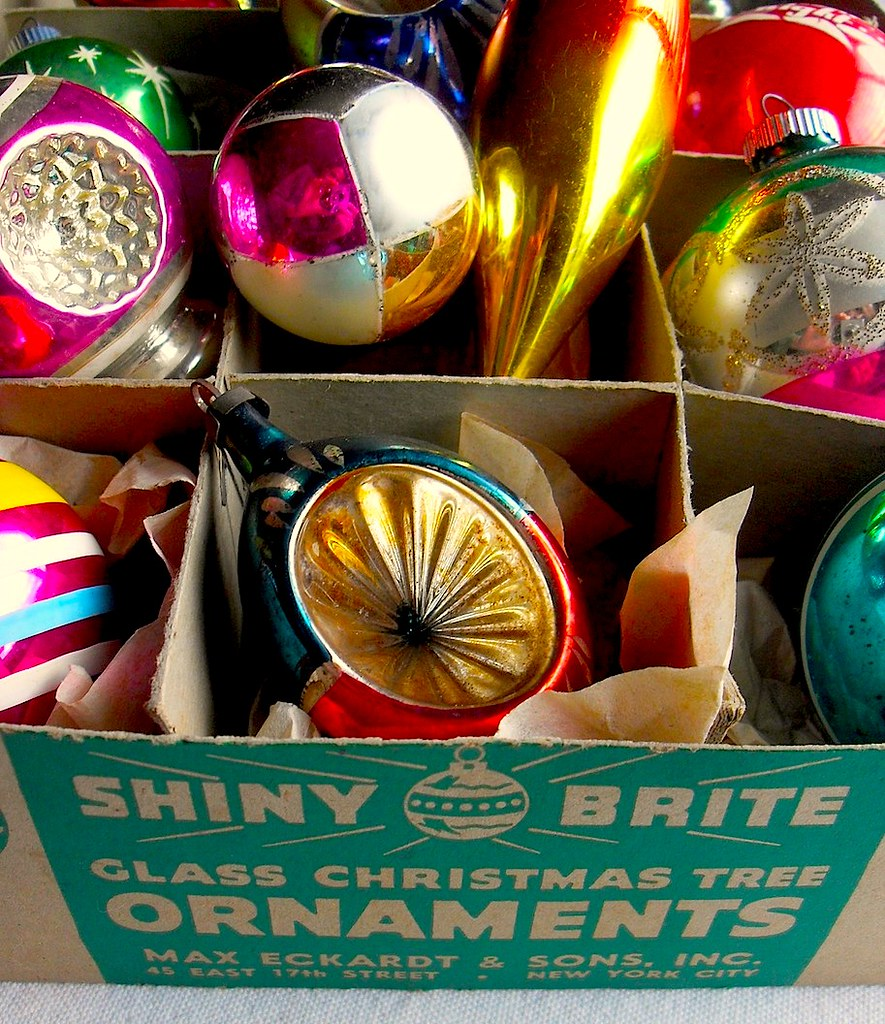 1940s 1950s vintage christmas ornaments shiny brite box by christian montone