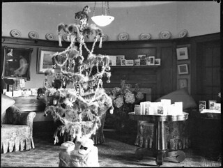 Mrs OE Friend's Christmas tree, 1939, by Sam Hood | by State Library of New South Wales collection