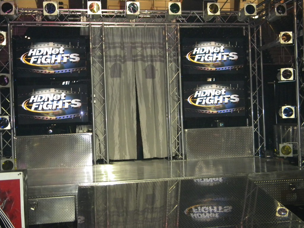 hdnet-fights-fighter-entrance ...