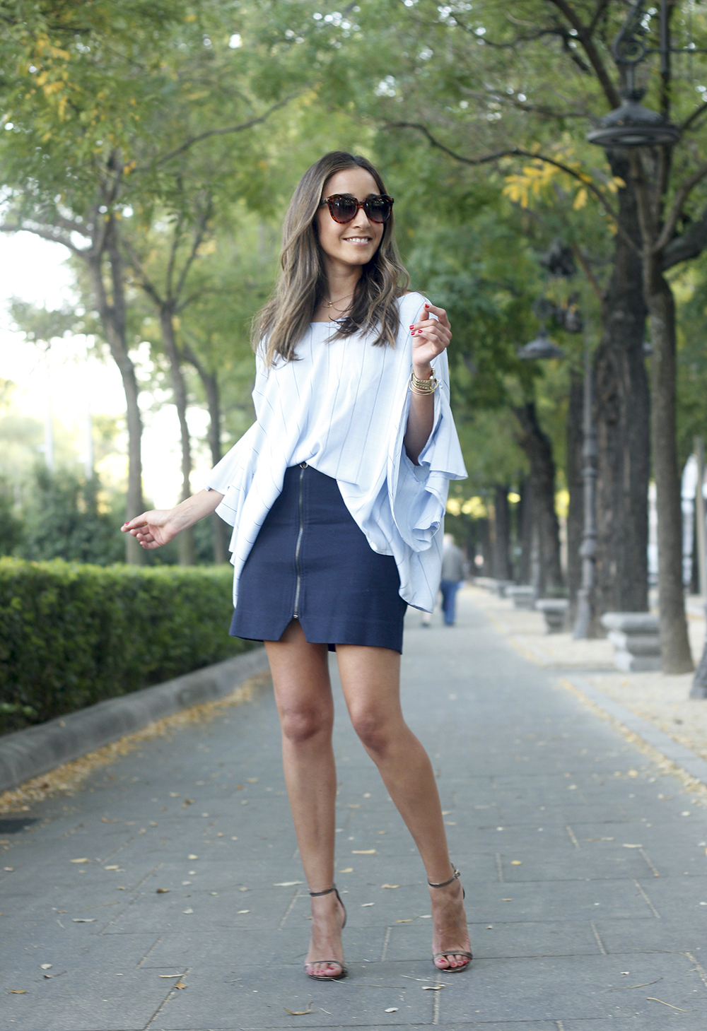 Blue Striped Tie V Back Ruffle Sleeve Blouse blue skirt bronze heels outfit style fashion01