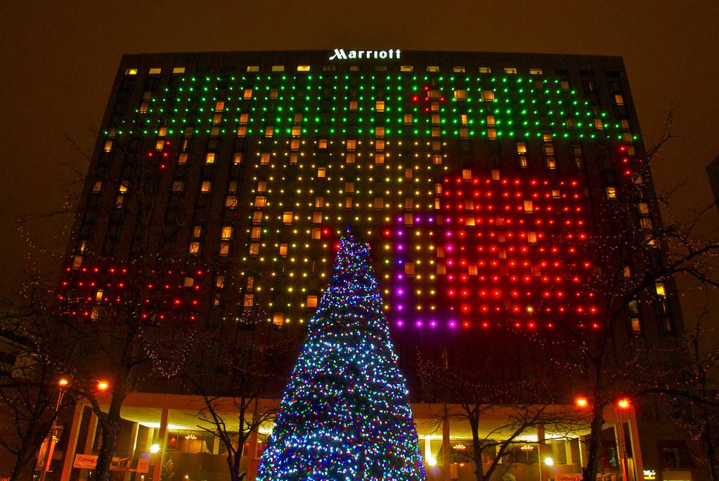 Christmas Lights in Kansas City   Looking up at the Marriott…   Flickr