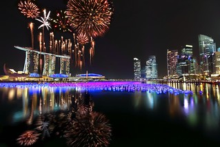 Singapore New Year Countdown 2011 Fireworks : First Burst : | by Kenny Teo (zoompict)