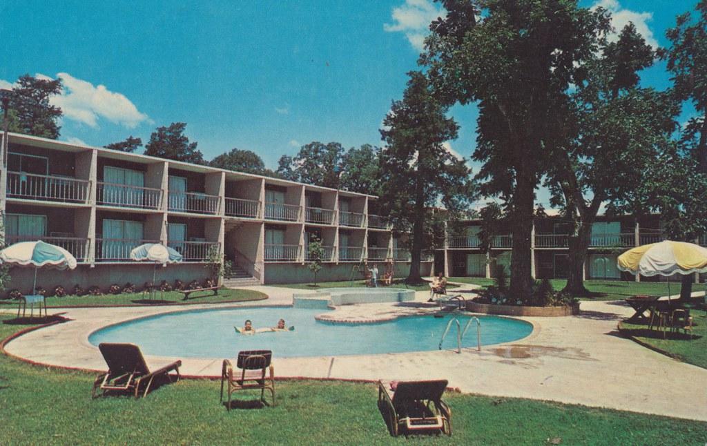 Dogwood Motor Hotel - Woodville, Texas
