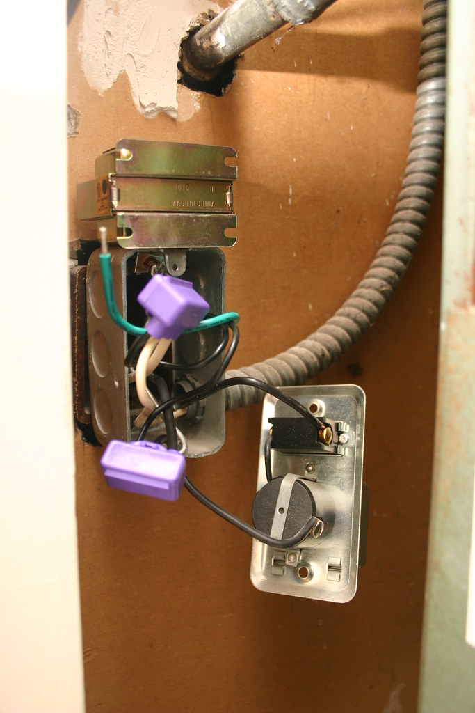 Furnace doorbell transformer junction box with new alumi flickr furnace doorbell transformer junction box with new alumiconn connectors by erik bruchez sciox Gallery