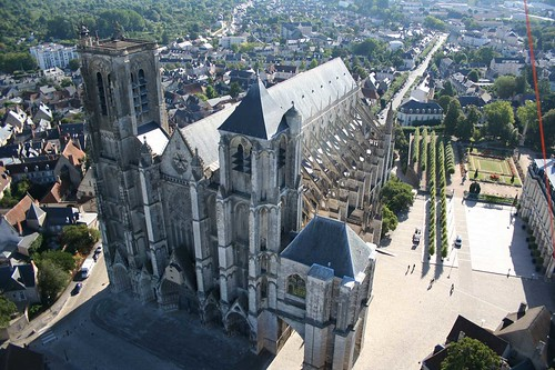 Vue a rienne de la cath drale saint etienne de bourges flickr - Office de tourisme bourges ...