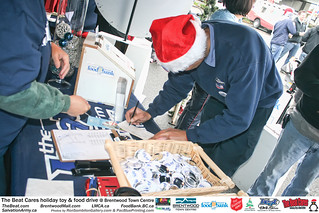 The BEAT CARES holiday food and toy drive at Brentwood Town Centre photos by Ron Sombilon Gallery (402) | by SOMBILON STUDIOS - www.SOMBILON.com