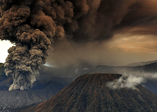 volcanic eruption | by saefulhasyim