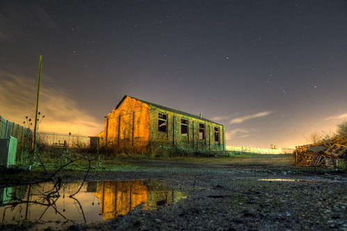 Abandoned under the stars | by ThatFridayFeeling