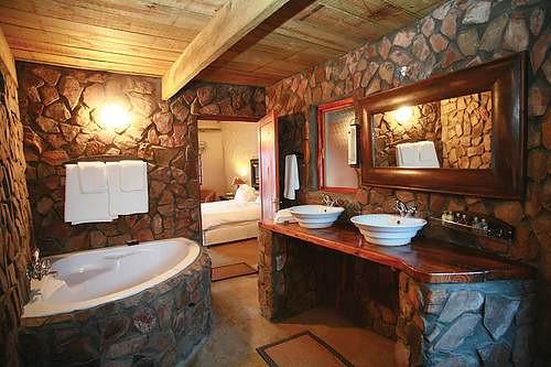 cuartos-bano-rustico | Baños de Diseño en Madrid de la mano … | Flickr