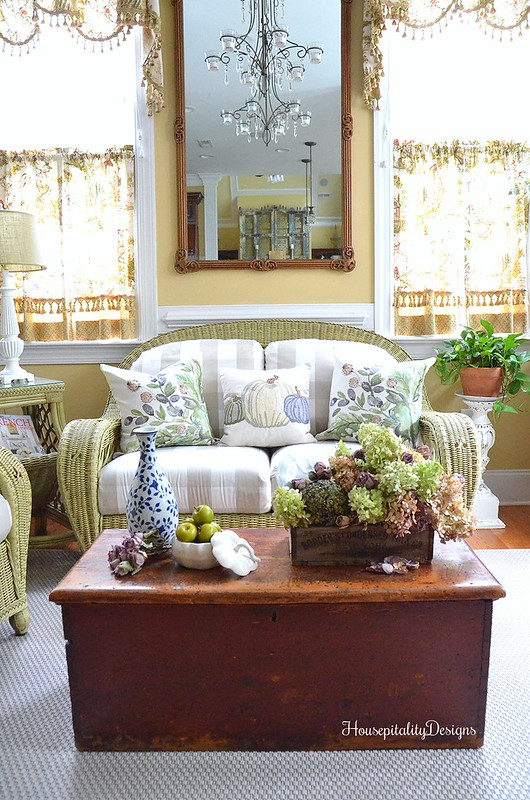 Sunroom - Fall Decor - Housepitality Designs