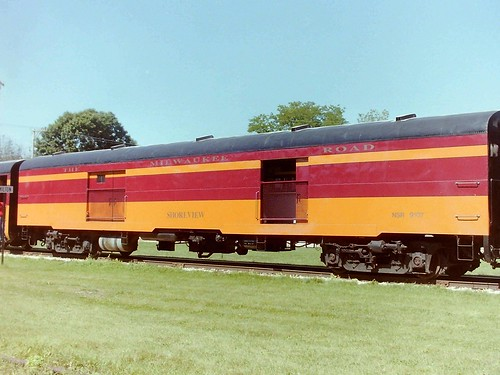 THE MILWAUKEE ROAD~SHOREVIEW | by Slider Jake