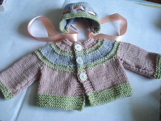 SWEATER AND BONNET | by Arianwen:)