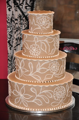 a wedding cake weighed 8 kg more brush embroidery this cake weighed 50 lbs it was 10982
