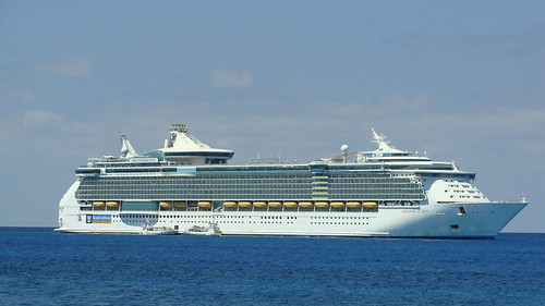 Freedom of the Seas - March 2011 | by Vic Maranto