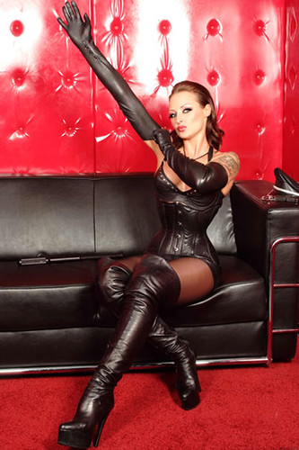 Policewoman and a dominatrix team up to interrogate a criminal6 - 1 4