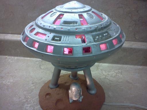 ... R2D2 Ufo Lamp   By K.i.f.