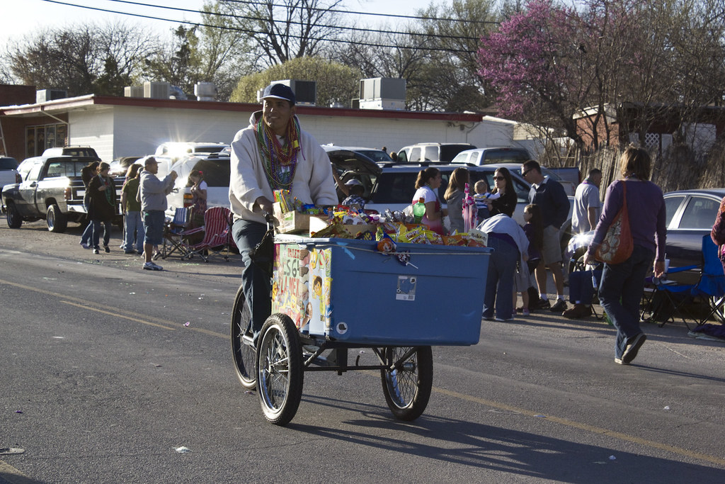 Paleteria Man Selling Ice Cream And More Mselenius Flickr