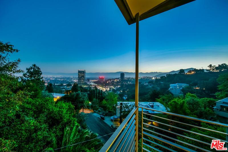 Вид на Лос-Анджелес с балкона дома Эмбер Роуз