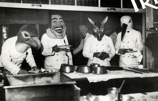 Carnaval, gemaskerde obers / Mardi Gras, waiters wearing masks | by Nationaal Archief
