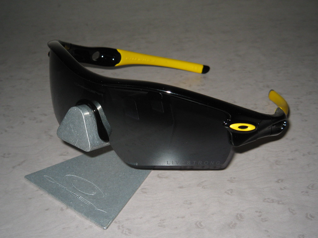 oakley radar path earsocks