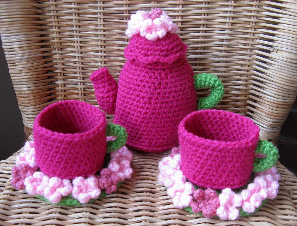 Drink Me Tea Set For Crochet Today Made It For The Croche Flickr