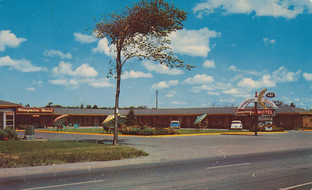 Honeymoon Motel - Niagara Falls, New York