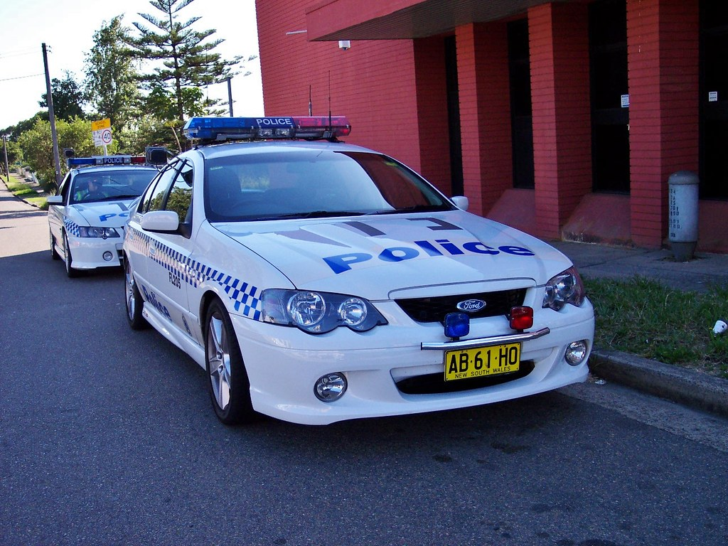 2004 ford ba falcon xr8 2003 holden vy commodore ss ns flickr 2004 ford ba falcon xr8 2003 holden vy commodore ss nsw police by vanachro Images