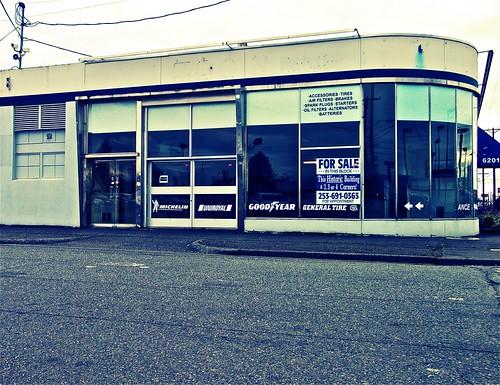 empty car dealer and repair shop very interesting building flickr. Black Bedroom Furniture Sets. Home Design Ideas