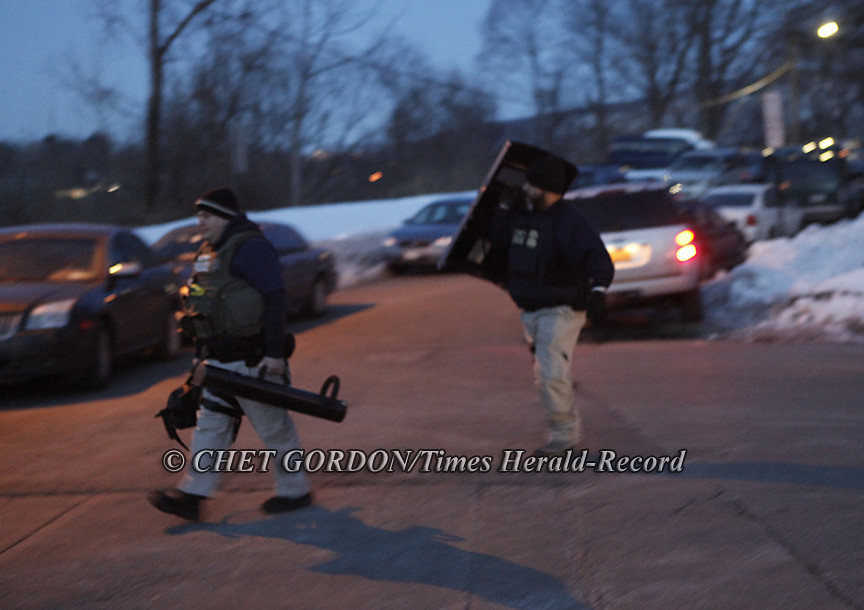 Pre-Dawn Gang Raids  Newburgh, NY 10•Feb •11 | 6:33AM  FBI a… | Flickr
