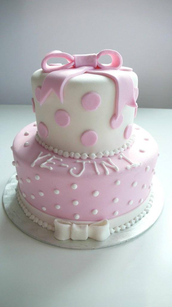 Little Girls 1st Birthday Cake Very cute little 1st birthd Flickr