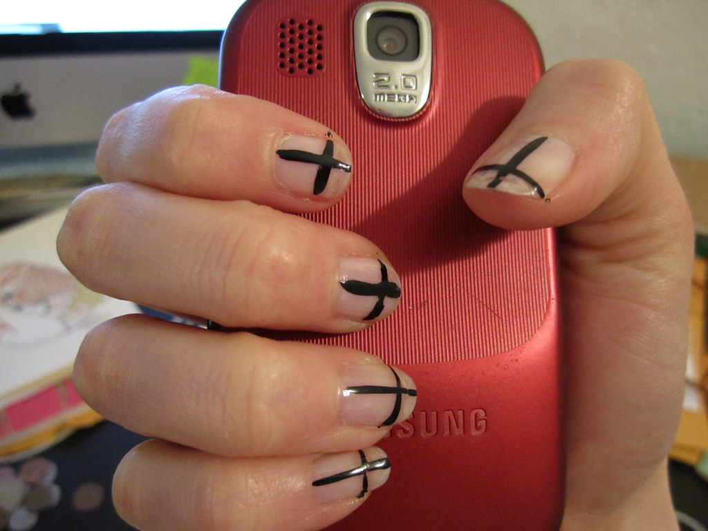 Nail Art Crosses For This Look I Applied Base Coat The Flickr