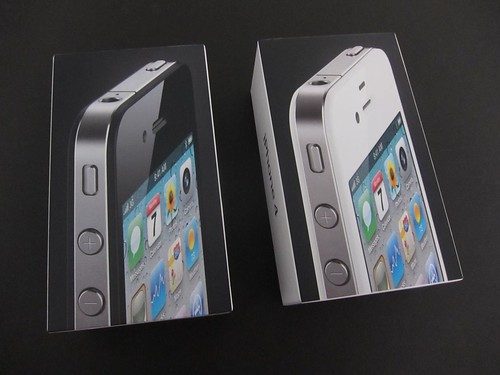 White iPhone 4 Unboxing + Comparison | by iLounge