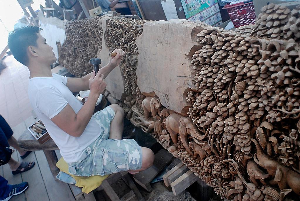 Bangkok Royal Thai Handicraft Center Carver 3 Fotofrysk Flickr