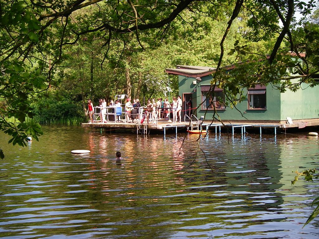 Lady pond, l'étang réservé pour les femmes à Hampstead Heath dans le nord de Londres.