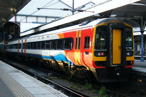 how to get to east midlands airport by train