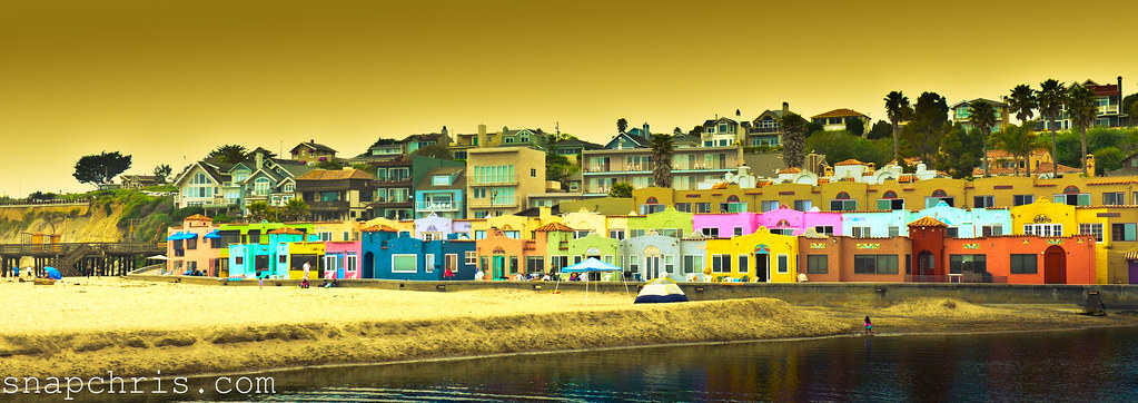 colorful beach bungalows in santa cruz venetian hotel capitola by tibchris