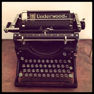 Underwood Vintage Typewriter | by Shht!