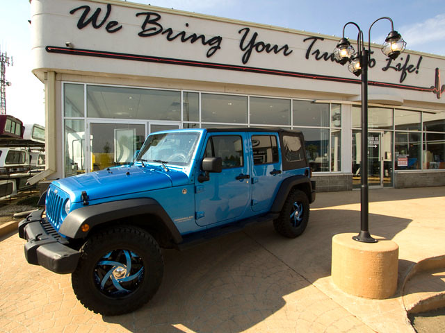 2010 Jeep Wrangler Unlimited Islander Edition. | Custom Truck Parts ...