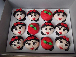 Snow White Cupcakes | by designercupcakesandmore