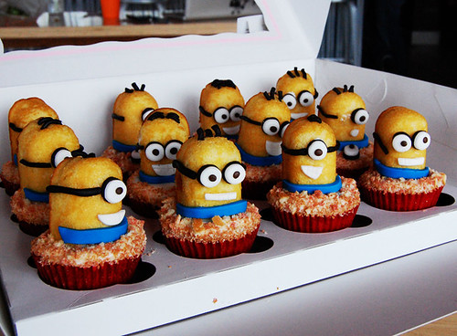 Despicable Me Minion Cupcakes | by Animated Cupcakes