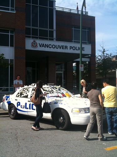 "The @VancouverPD car filled with ""thank you"" notes is now at 2nd & Cambie 