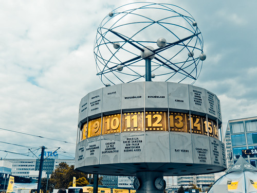 "Berlin's Time Zone ""Clock"" 