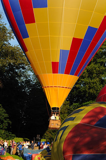 Hot air balloons - Montgolfières Le Roeulx | by Pierre Dauwe