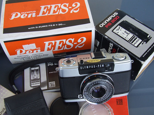 Olympus Pen Ees 2 Half Frame Camera Boxed 7408 This
