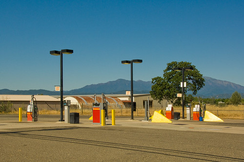 gas station, Redding | by philippe*