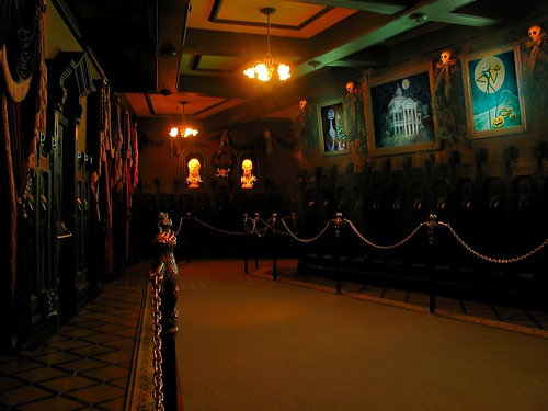 Haunted Mansion Holiday Foyer Music : Haunted mansion holiday portrait hall the